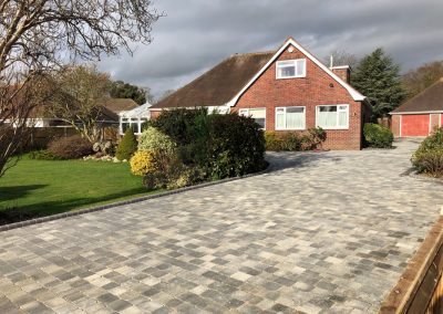 Large Driveway With High Kerbs – Downend Fareham
