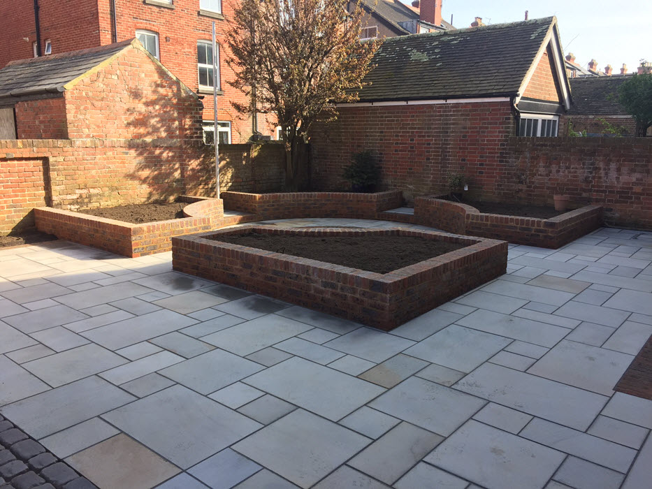 Patio With Raised Brick Flower Beds In Southsea Drive Doctor